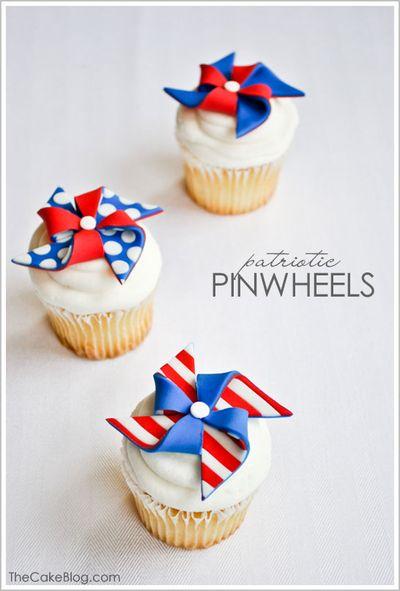 Fondant_pinwheel_cupcakes_11