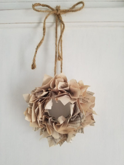 DIY-Mini-Book-Page-Wreath-How-to-550x734