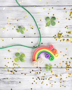 Rainbow-polymer-clay-neckalce-for-St-Patricks-Day