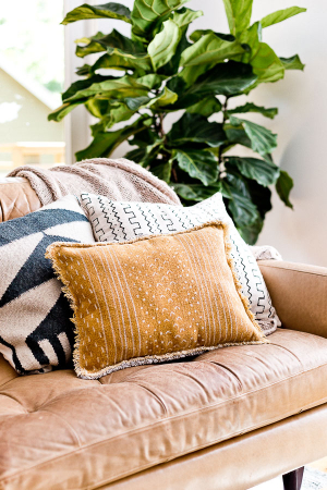 How-to-make-reversible-pillow-diy-idea-living-room