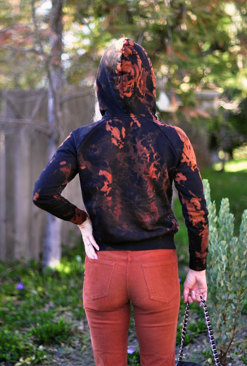 DIY-Bleach-Tie-Dye-Sweatshirt-black-and-rust-splotch-dye-3-1