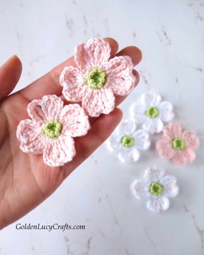 Crochet-dogwood-tree-flowers-700x876